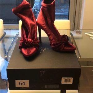 Giuseppe Zanotti 6.5 burgundy velvet booties